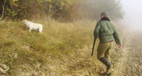 French hunters shooting themselves in the foot