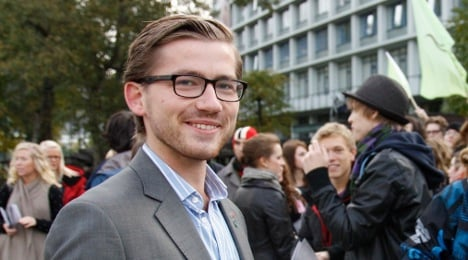 'Open Snowden asylum case for privacy's sake'