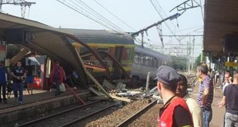 At least six dead as train derails near Paris