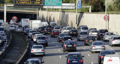 Traffic warnings issued as French head for coast
