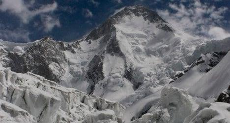 Rescuers seek Spanish climbers in Pakistan