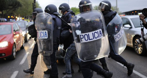 Riot cops to shoot 'thugs' with helmet cameras