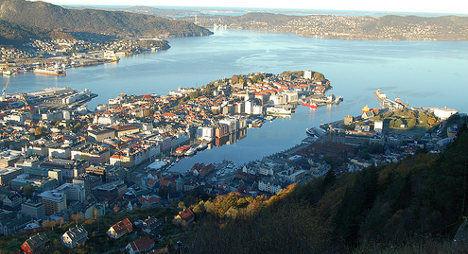 Woman tumbles from Bergen hotel window