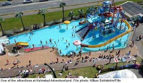 'Fat sisters' refused splash ride at themepark