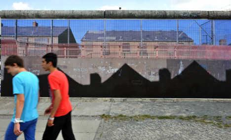 Berlin wall hosts exhibit of world's barriers