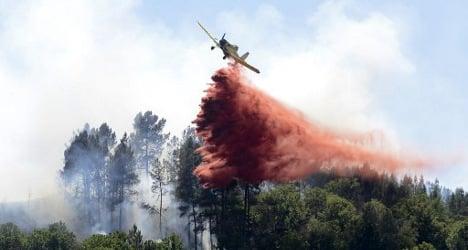 Galicia blaze sends residents fleeing
