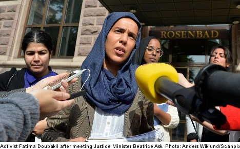 Hijab activists demand minister take action