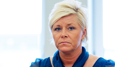 Stoltenberg attacks right's paternity quota plans