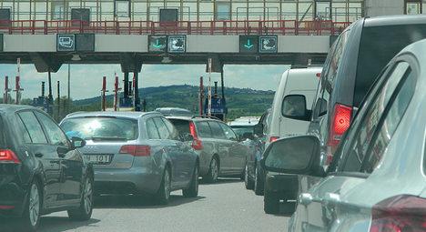 France braces for returning holiday traffic