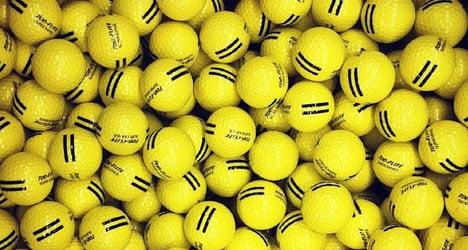 Repentant thieves return stolen golf ball haul