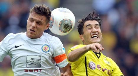 Dortmund top as Bayern Munich struggle
