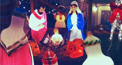 Town plans underwater nativity to draw tourists