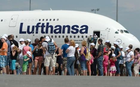Lufthansa: halved profits this quarter no problem