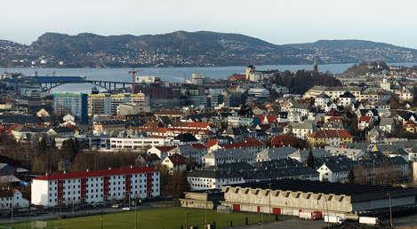 Bergen police hunt arsonist behind 14 fires
