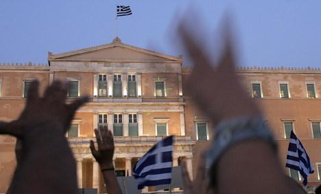 More Greeks take German citizenship