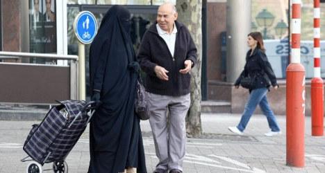 Catalan census links burqas with terror threat