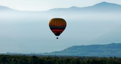 American tourist dies in Fribourg balloon crash