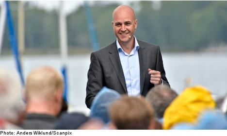 Reinfeldt moots new income tax cuts