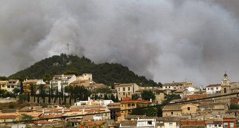 Firefighters control massive Galicia blaze