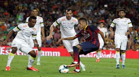 Neymar shines as Barca hit straight eight