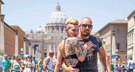 Photographer captures Rome street life