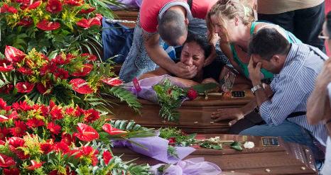 Italian bus crash death toll rises to 39