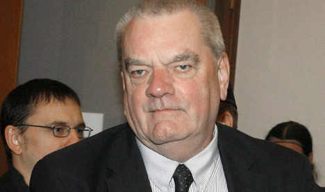 Holocaust-denier David Irving defies hotel ban