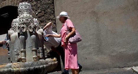 Three die in Italy's 40C heatwave