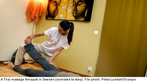 Thai masseuse threatens to snip Swedish men