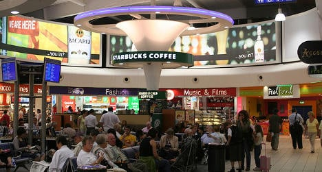 London's Luton airport stays in Spanish hands