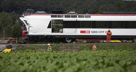 Train drivers sound horns for dead colleague