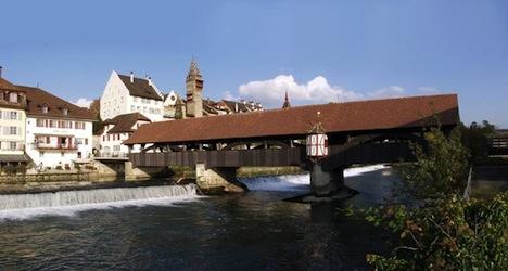 Migration boss defends Aargau public pool ban