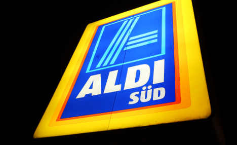Aldi staff wrapped in film, chastised by rats