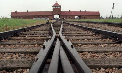 Auschwitz 'cook' faces murder complicity charge