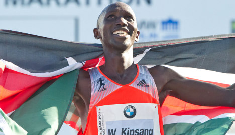 Kipsang breaks world record in Berlin marathon