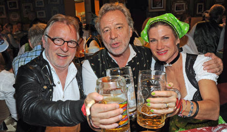 Beer trumps politics as Oktoberfest opens