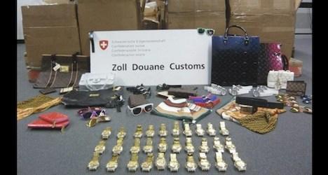 Customs seize 5,000 phoney watches in Zurich