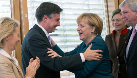 Merkel's German-Scot 'to reach out to UK'