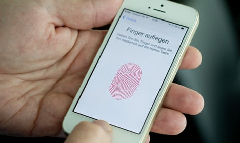 German hackers crack iPhone security system
