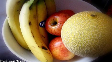 Swede held for urinating on supermarket fruit