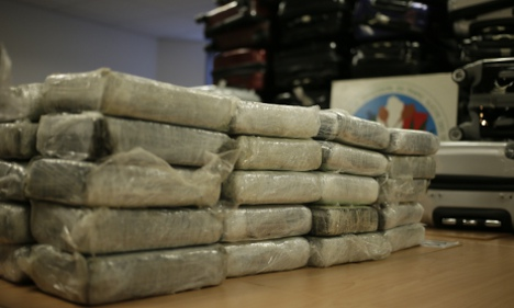 Two Britons charged over Air France cocaine bust