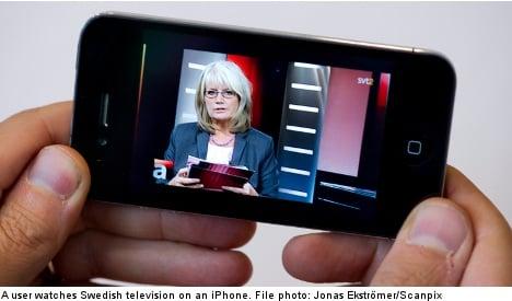 Swedish kids protest parents' phone addiction