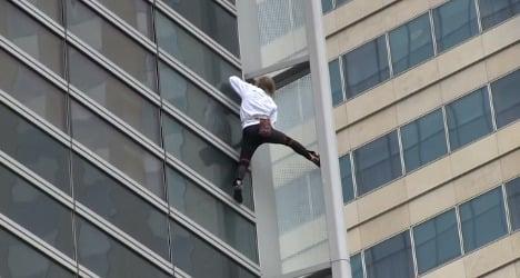VIDEO: 'Spiderman' scales Paris skyscraper