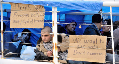 Syrian refugees at Calais demand asylum in UK