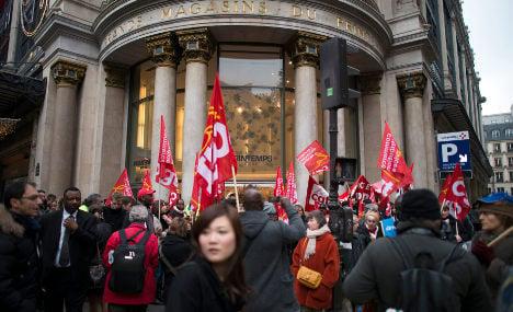Sunday shopping ban splits France