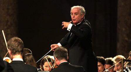 Daniel Barenboim to quit La Scala two years early