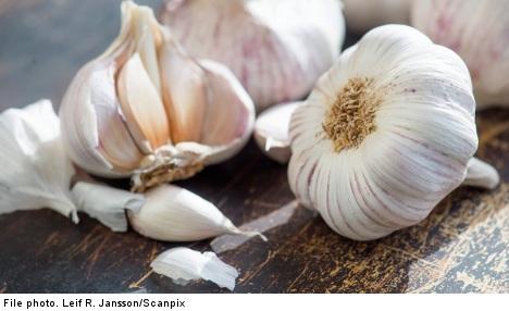 'Garlic and raisins prevent premature births'