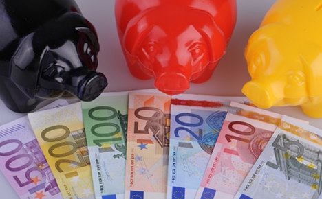 Germany lowers 2013 public deficit forecast