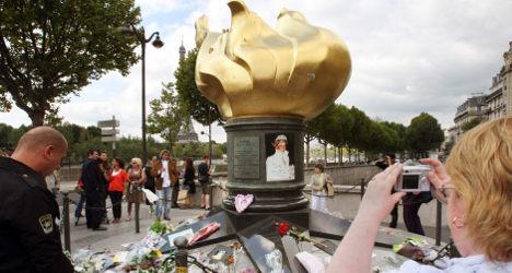 'Diana' film poster taken down at Paris crash site