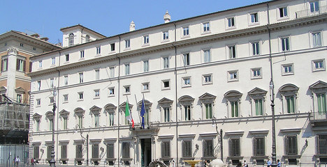 Over a million Italians earn a living from politics
